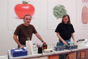 2004 Free Range Grains de Steve Kurtz laboratorio
